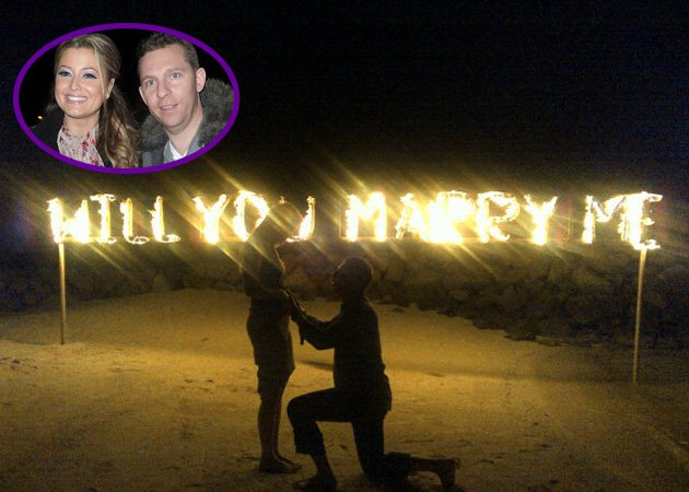 Celeb-Christmas-proposals-Holly-Valance_102508