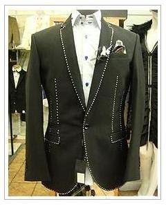 stuart-hughes_600k-suit-with-diamonds